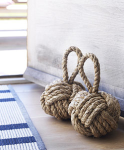 Two's Company Knot Doorstop